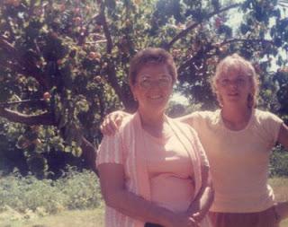 1984+Doreen+%26+Nellie+.jpg