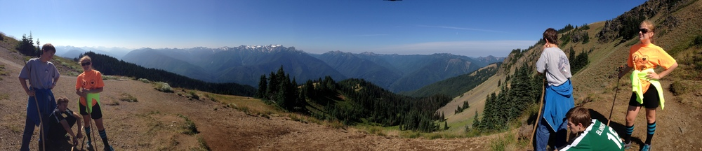 What Matt, Jessie and Chris on both sides of this photo? On Hurricane Ridge Hike.