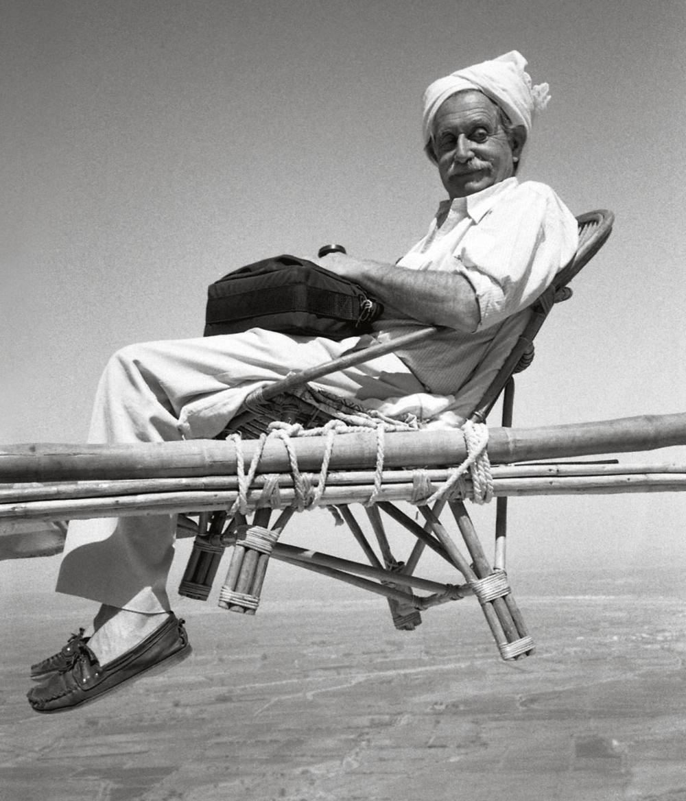 Ettore Sottsass in India, 1988.Courtesy Studio Ettore Sottsass