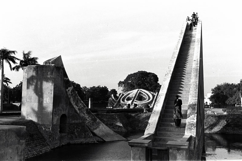 Noguchi's photographs of the Jantar Mantar observatory in Jaipur and Delhi often include visitors and the urban context in the frame.