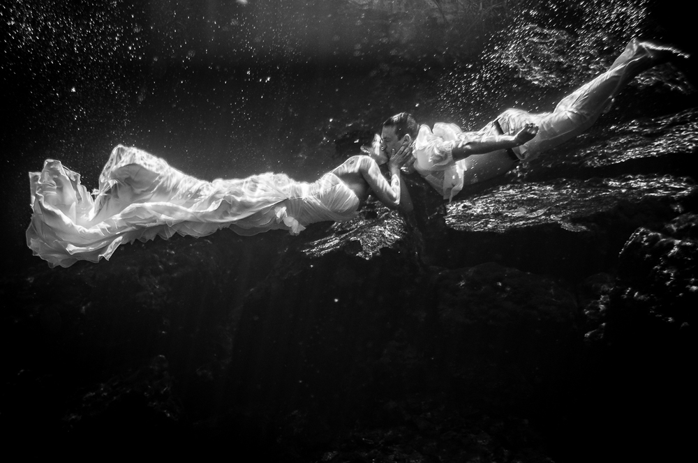 Underwater Wedding Cancun.jpg