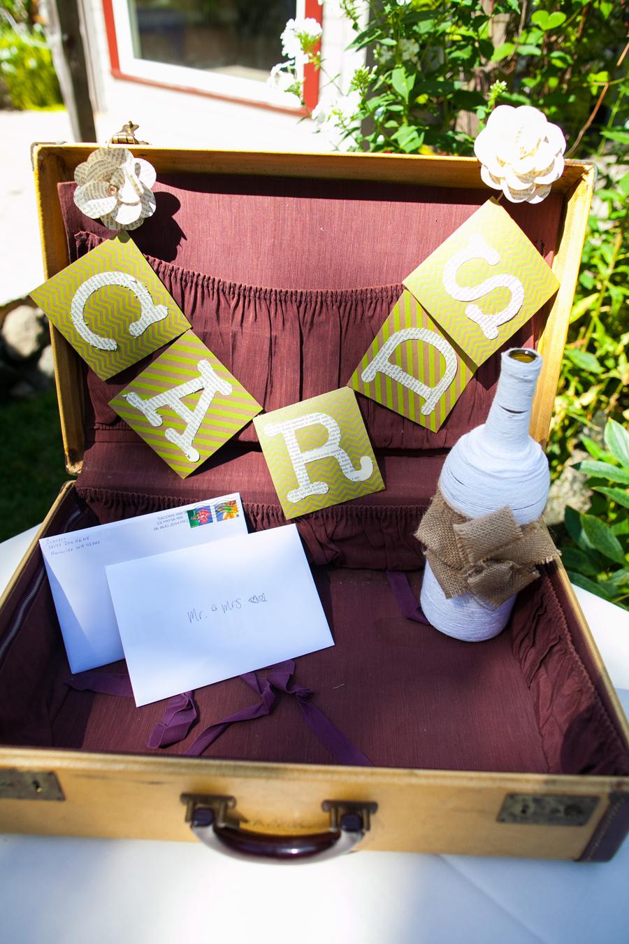 006-llama-rose-farm-wedding.jpg