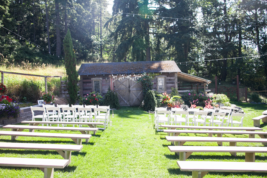 008-llama-rose-farm-wedding.jpg