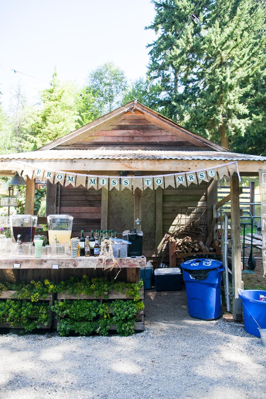 011-llama-rose-farm-wedding.jpg