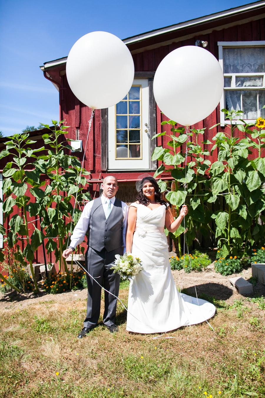 037-llama-rose-farm-wedding.jpg