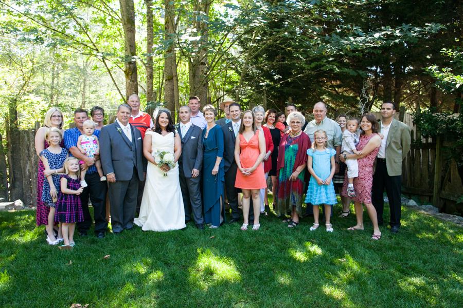 049-llama-rose-farm-wedding.jpg