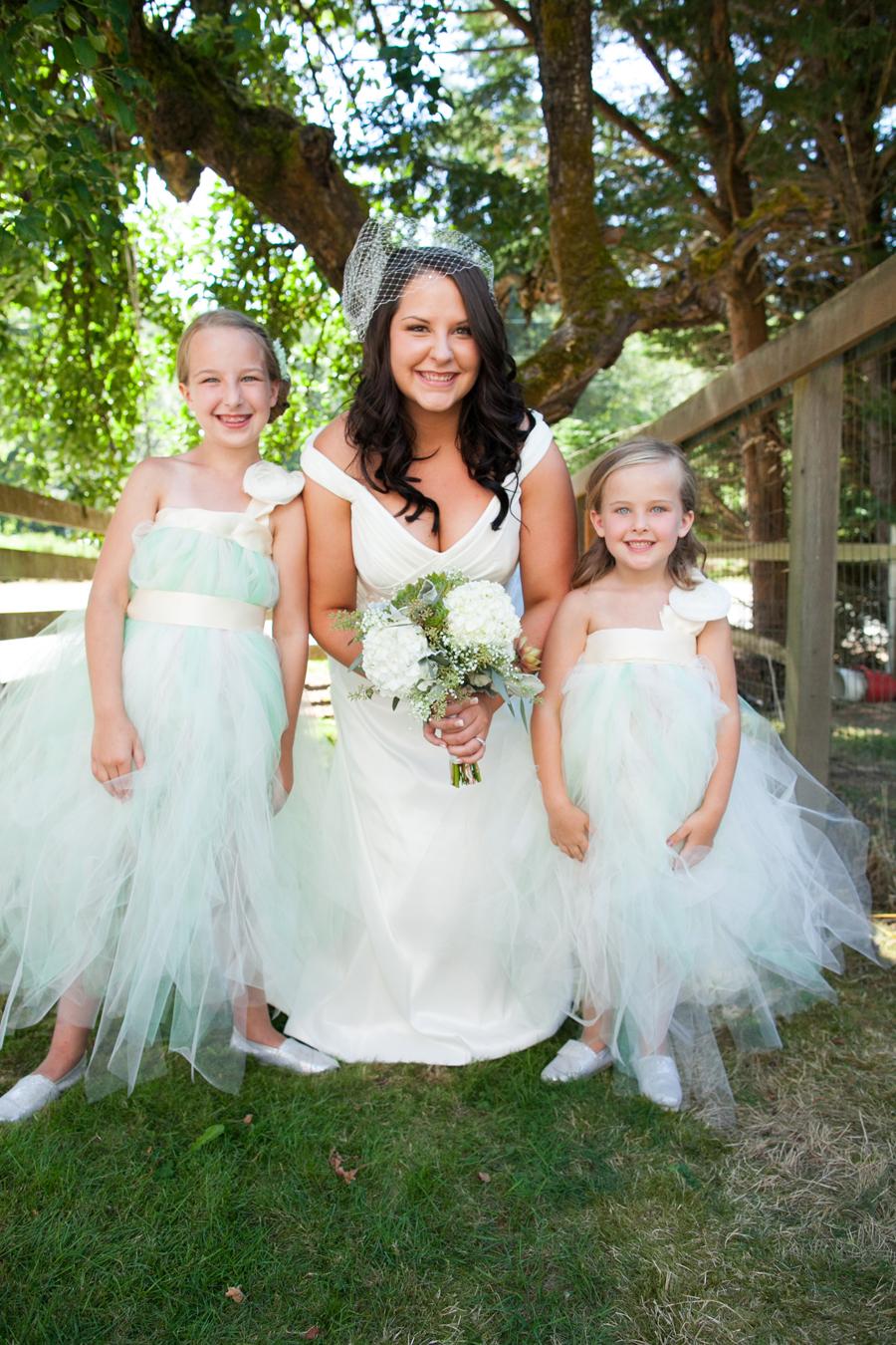 048-llama-rose-farm-wedding.jpg