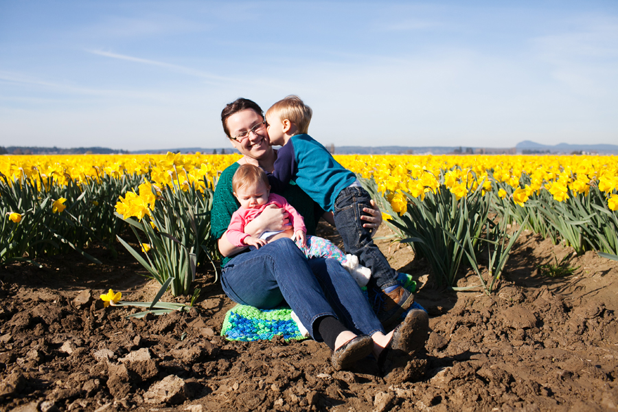 015-mount-vernon-washington-daffodils-norley-family.jpg