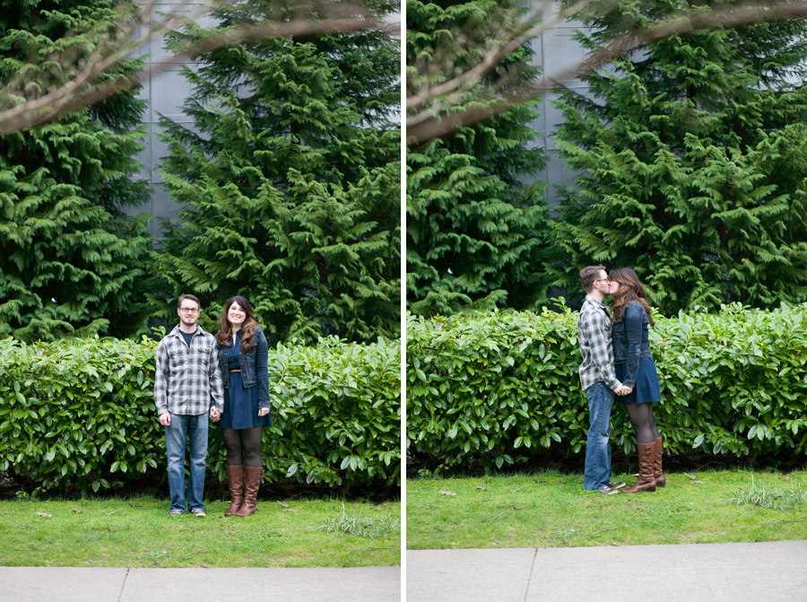 003-ballard-locks-seattle-botanical-garden-engagement-session.jpg