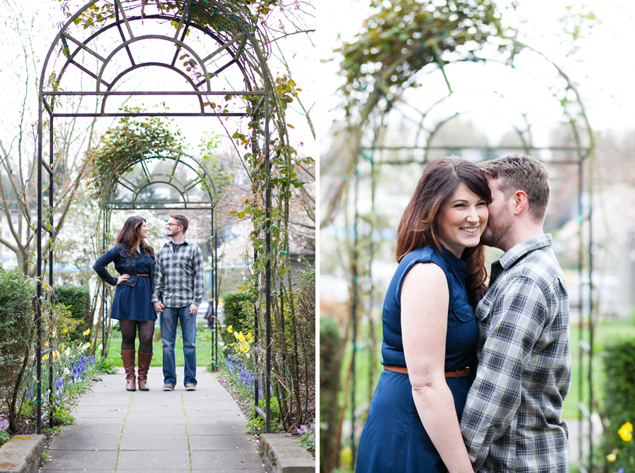 006-ballard-locks-seattle-botanical-garden-engagement-session.jpg