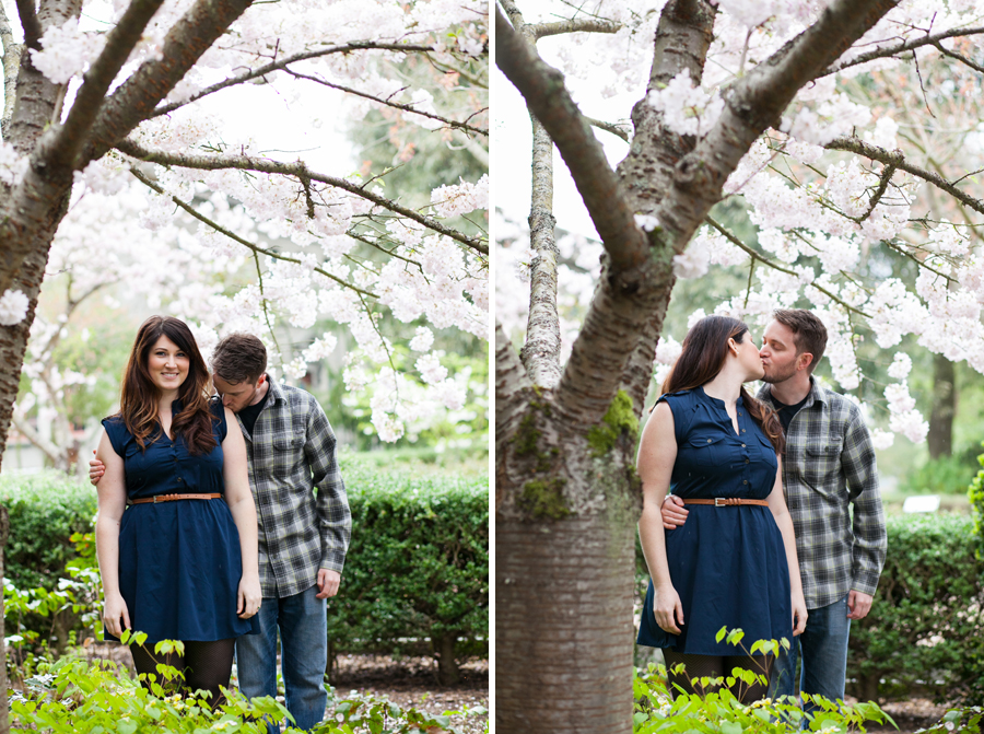 009-ballard-locks-seattle-botanical-garden-engagement-session.jpg
