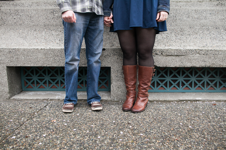 014-ballard-locks-seattle-botanical-garden-engagement-session.jpg
