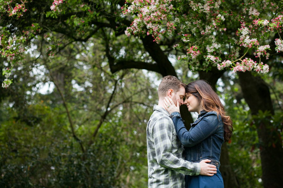 019-ballard-locks-seattle-botanical-garden-engagement-session.jpg