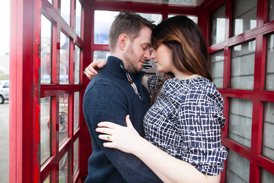 025-ballard-locks-seattle-botanical-garden-engagement-session.jpg