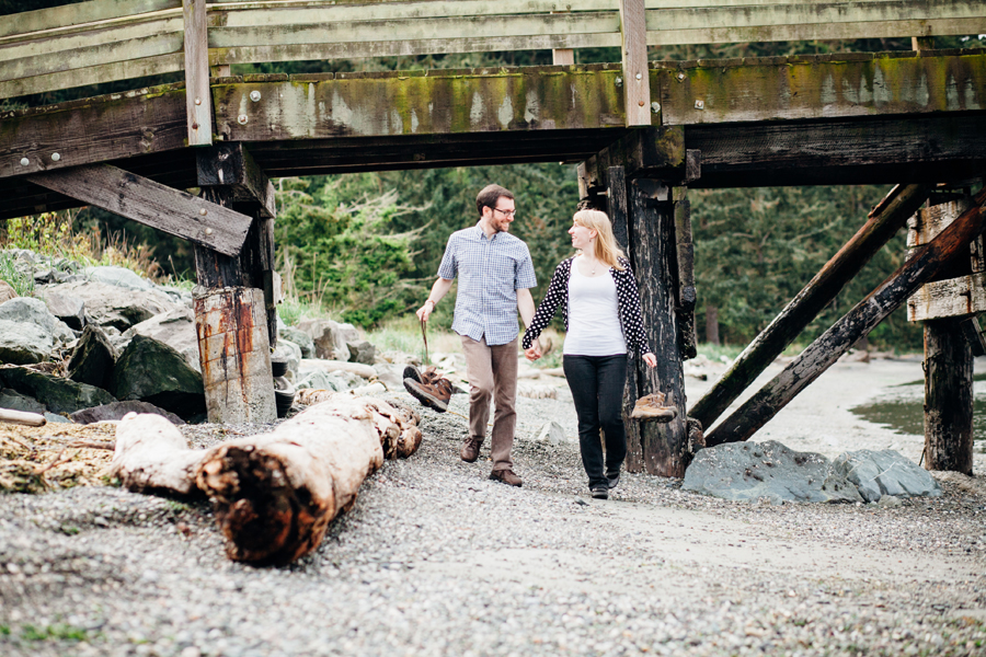 005-deception-pass-state-park-engagement-session.jpg