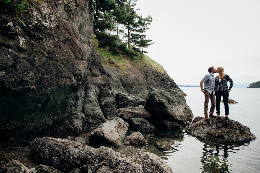 028-deception-pass-state-park-engagement-session.jpg