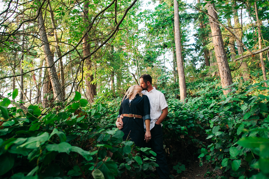 027-larrabee-state-park-engagement-session-bellingham-washington-katheryn-moran-photography.jpg