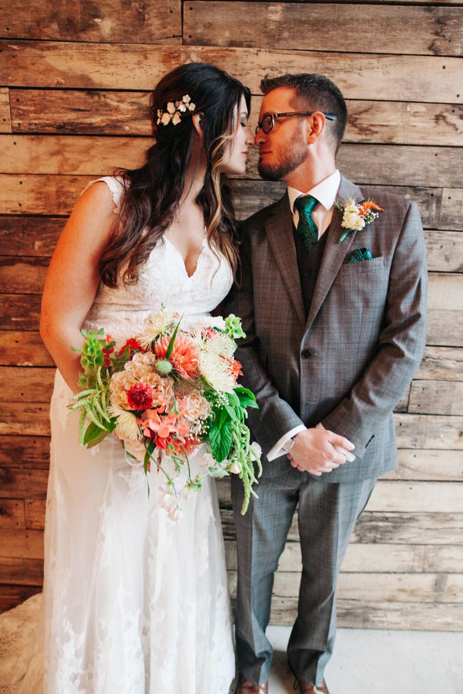020-bellingham-wedding-photographer-katheryn-moran-photography-farm-kitchen.jpg