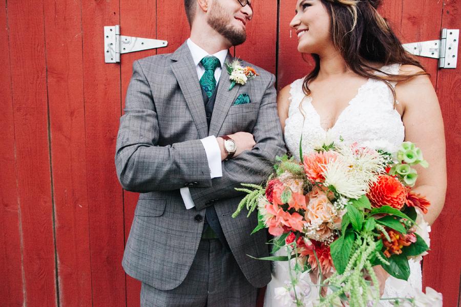 026-bellingham-wedding-photographer-katheryn-moran-photography-farm-kitchen.jpg