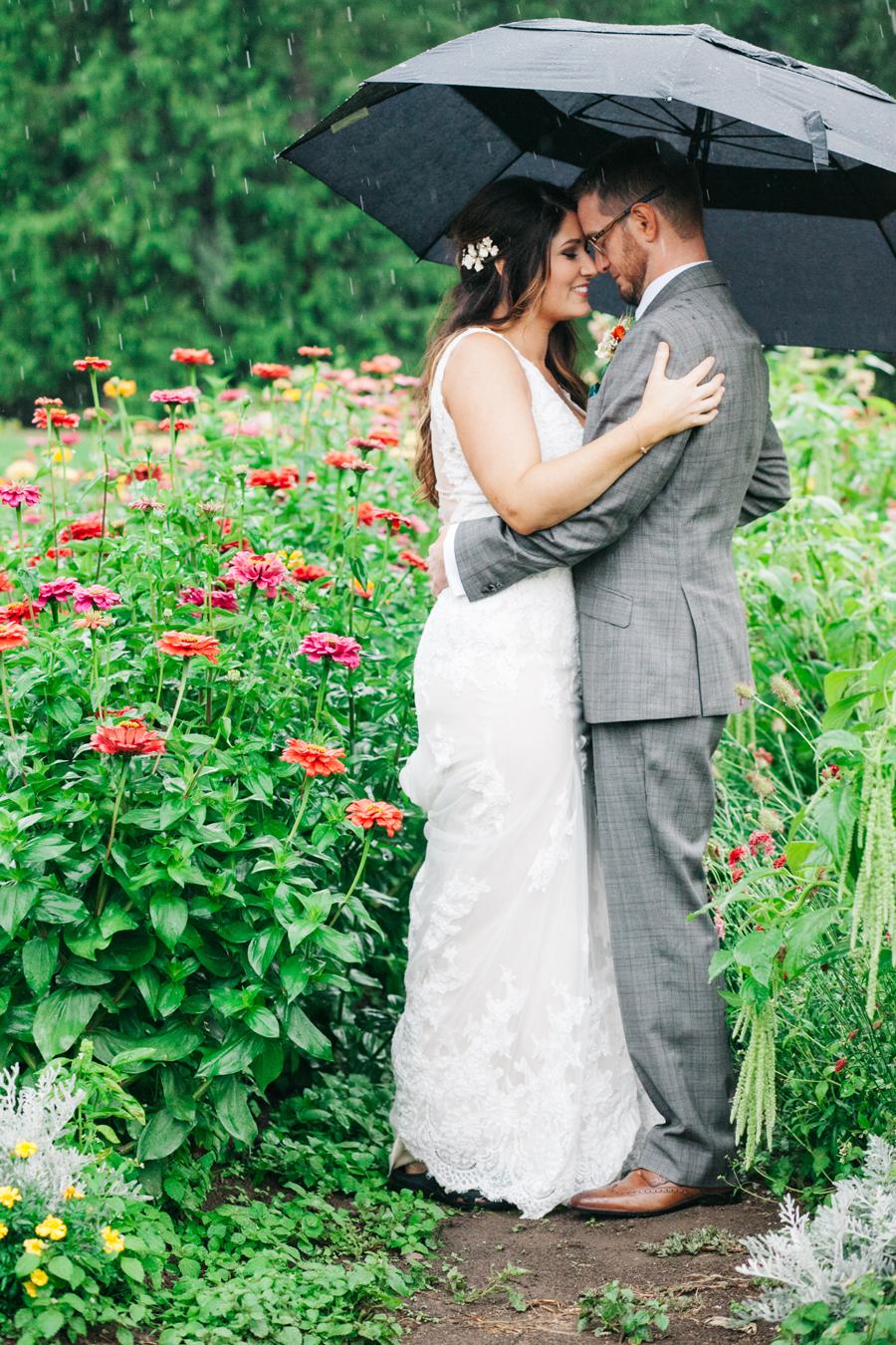 029-bellingham-wedding-photographer-katheryn-moran-photography-farm-kitchen.jpg