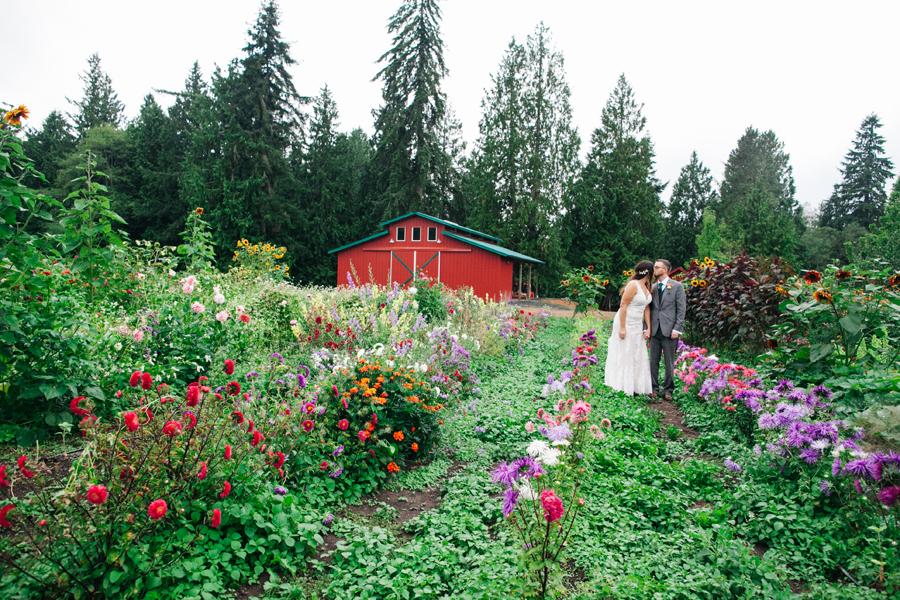 032-bellingham-wedding-photographer-katheryn-moran-photography-farm-kitchen.jpg