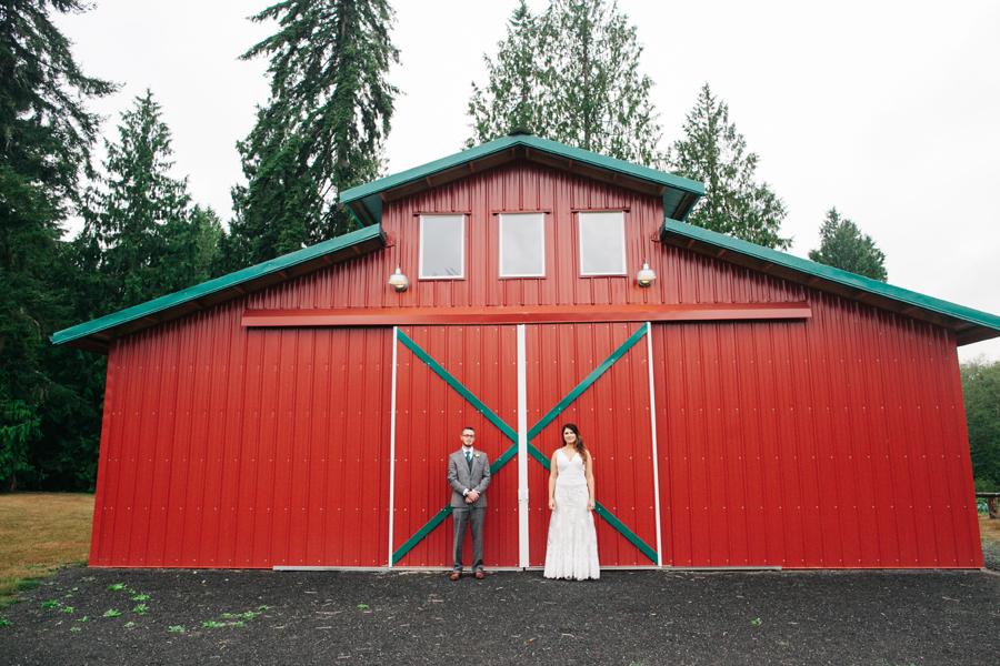 039-bellingham-wedding-photographer-katheryn-moran-photography-farm-kitchen.jpg