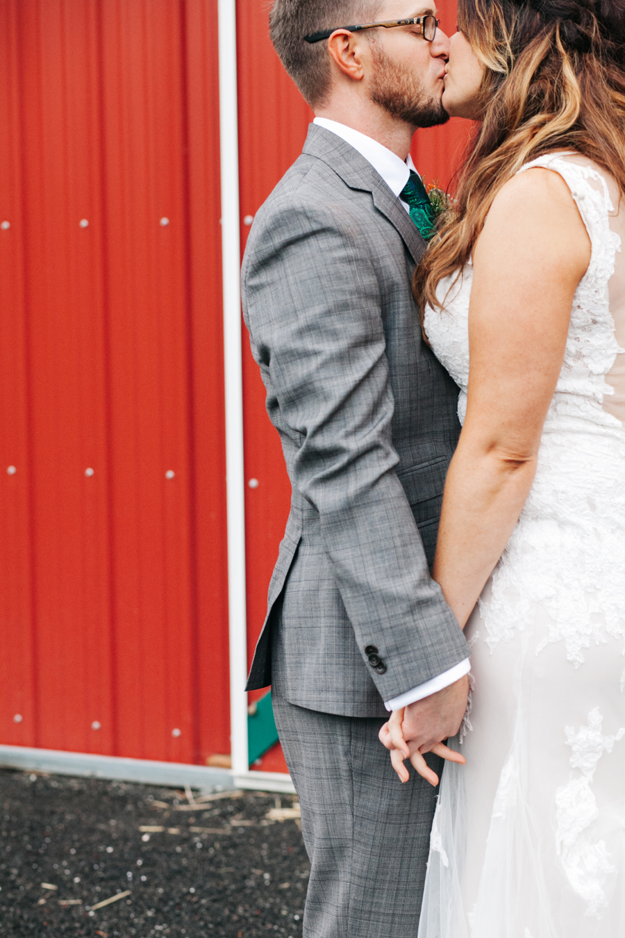 040-bellingham-wedding-photographer-katheryn-moran-photography-farm-kitchen.jpg