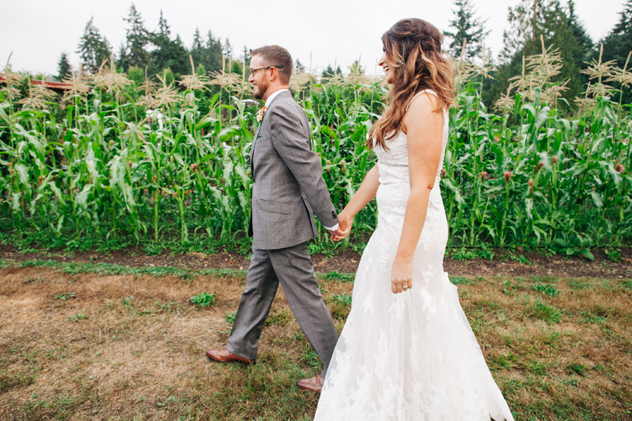 043-bellingham-wedding-photographer-katheryn-moran-photography-farm-kitchen.jpg