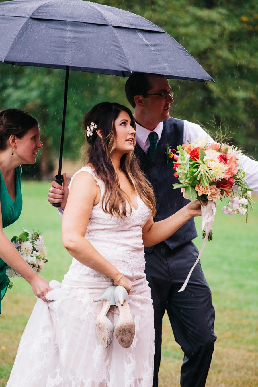 070-bellingham-wedding-photographer-katheryn-moran-photography-farm-kitchen.jpg