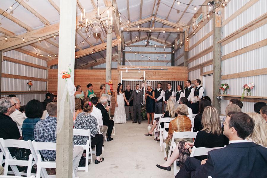073-bellingham-wedding-photographer-katheryn-moran-photography-farm-kitchen.jpg