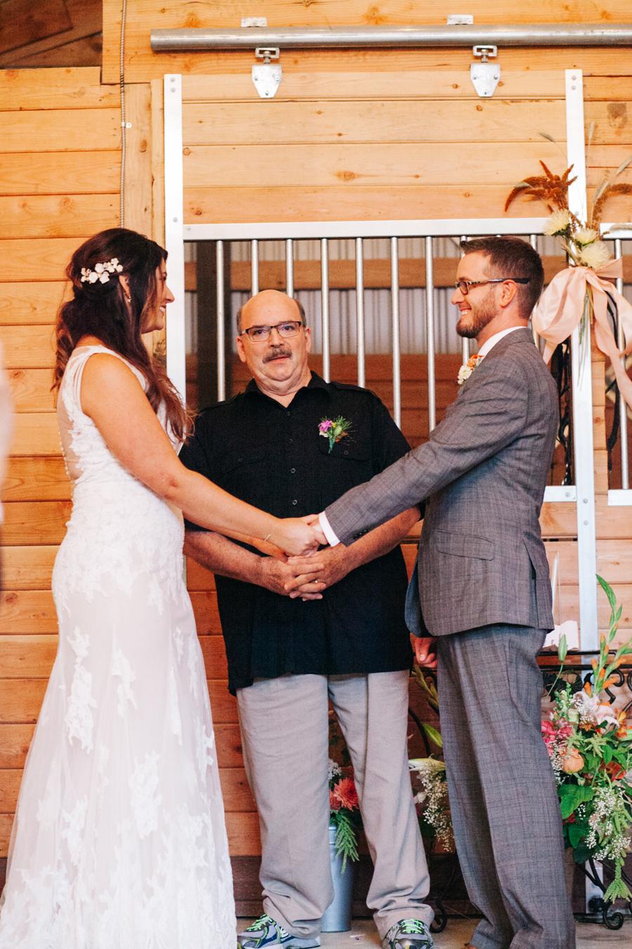 076-bellingham-wedding-photographer-katheryn-moran-photography-farm-kitchen.jpg
