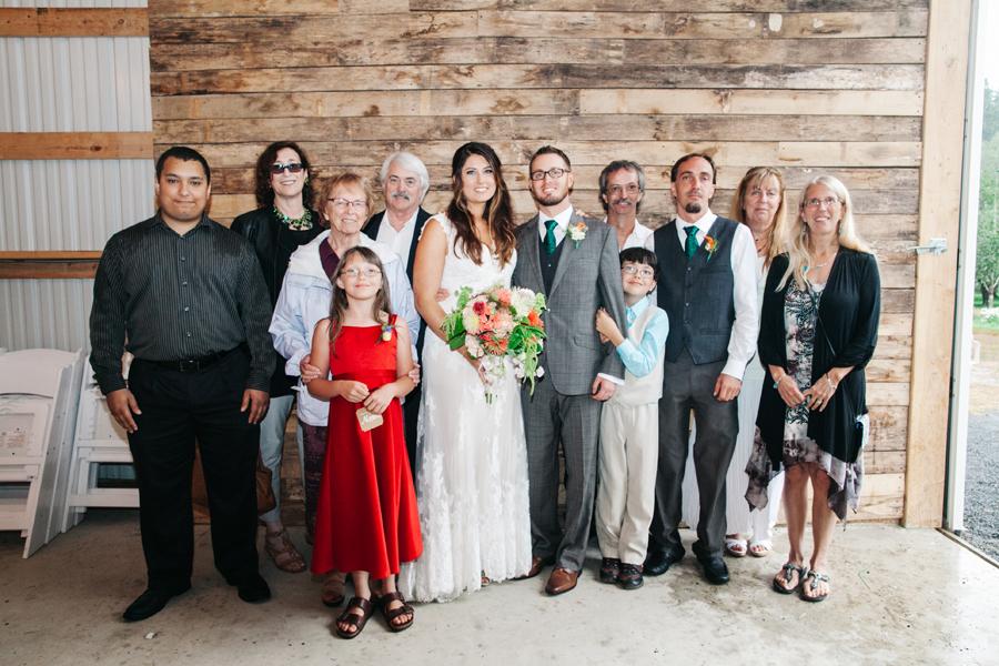 079-bellingham-wedding-photographer-katheryn-moran-photography-farm-kitchen.jpg