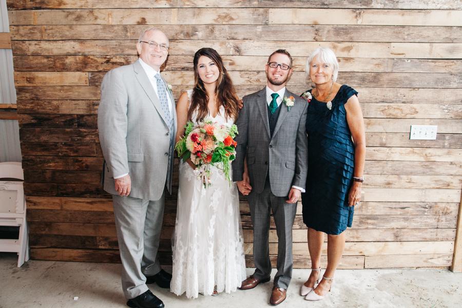 083-bellingham-wedding-photographer-katheryn-moran-photography-farm-kitchen.jpg
