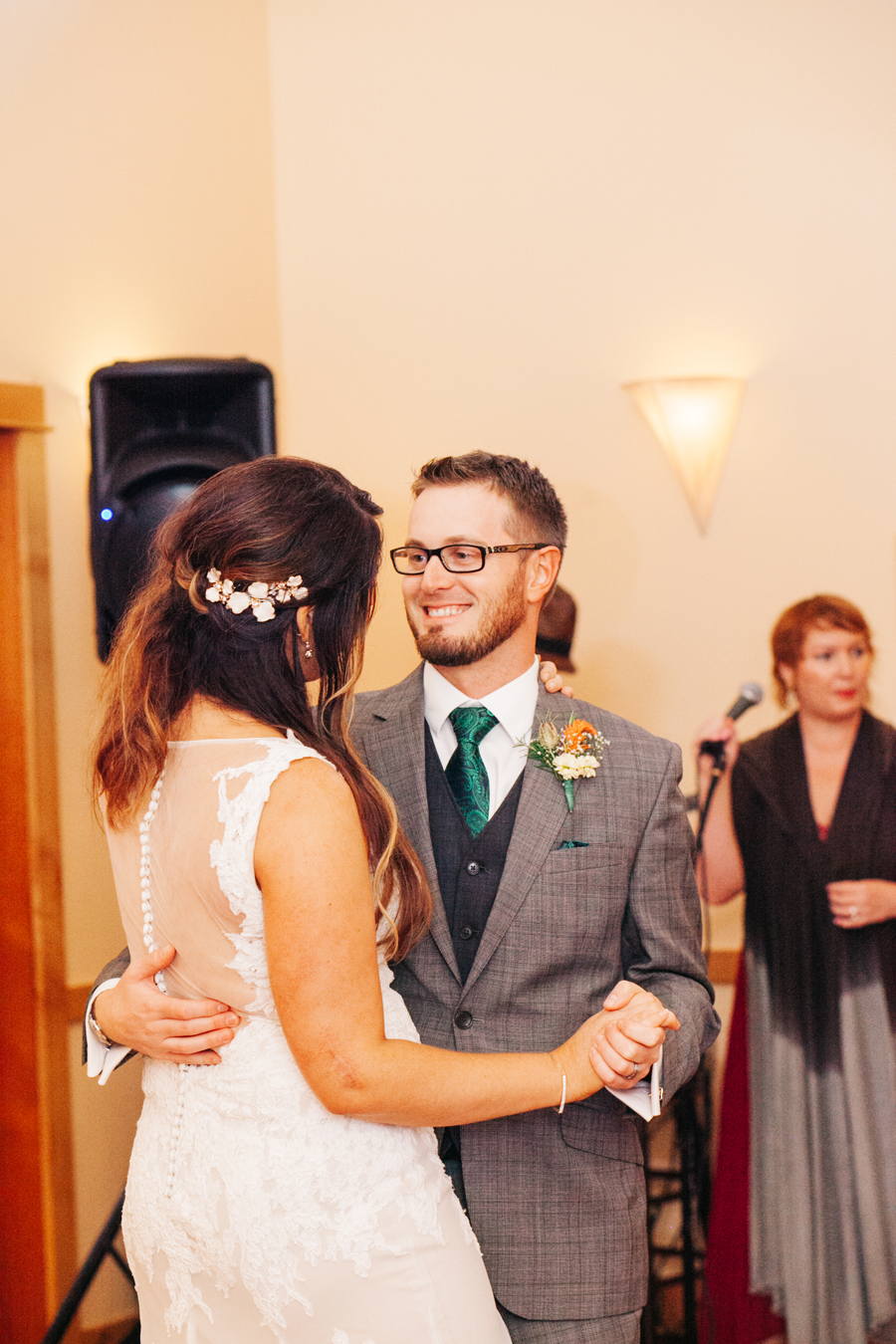 098-bellingham-wedding-photographer-katheryn-moran-photography-farm-kitchen.jpg