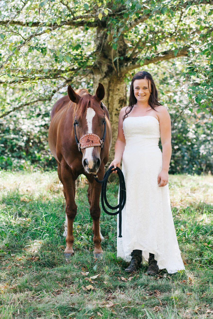 101-bellingham-wedding-photographer-everson-backyard-wedding.jpg