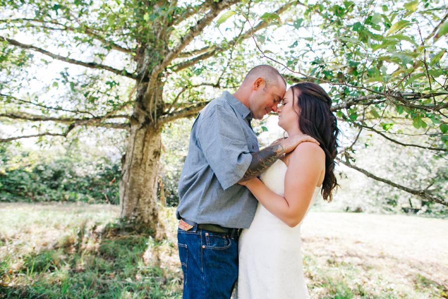 111-bellingham-wedding-photographer-everson-backyard-wedding.jpg