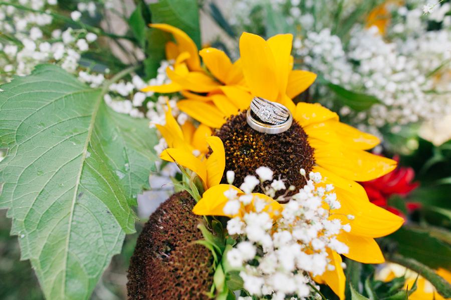131-bellingham-wedding-photographer-everson-backyard-wedding.jpg
