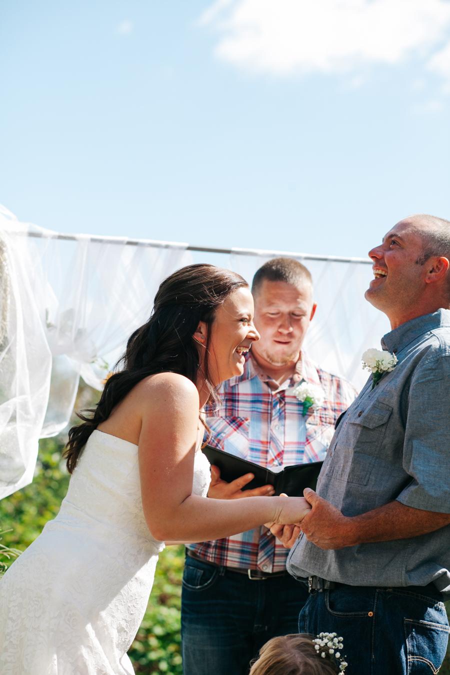 138-bellingham-wedding-photographer-everson-backyard-wedding.jpg