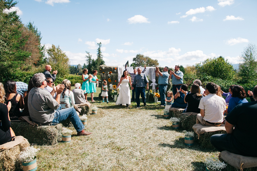 141-bellingham-wedding-photographer-everson-backyard-wedding.jpg