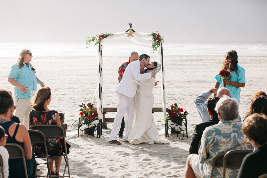 037-portland-wedding-photographer-pacific-city-oregon-katheryn-moran-photography.jpg