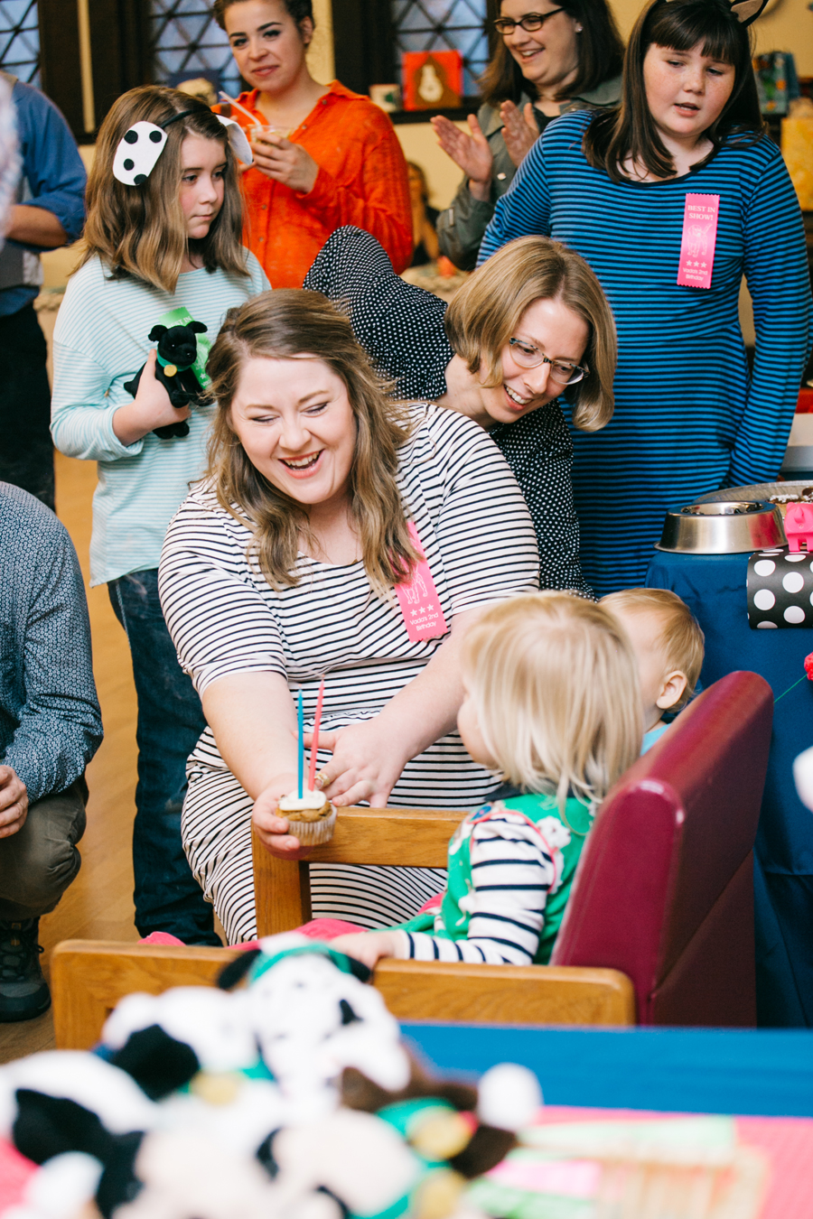 040-bellingham-family-party-photographer-vada-turns-two-fairhaven-library-katheryn-moran-photography.jpg