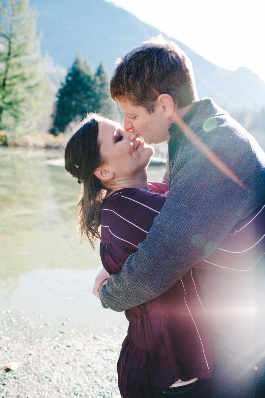 034-silver-lake-engagement-session-bellingham-engagement-photographer-katheryn-moran-photography.jpg