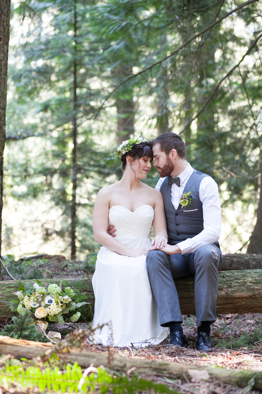 017-pacific-northwest-woodland-bridal-styled-session-lynden-washington-katheryn-moran-photography.jpg