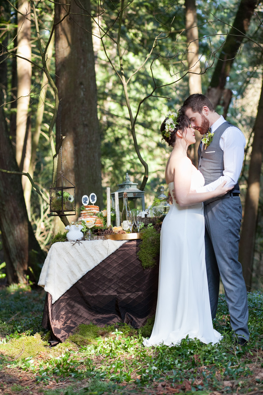 023-pacific-northwest-woodland-bridal-styled-session-lynden-washington-katheryn-moran-photography.jpg