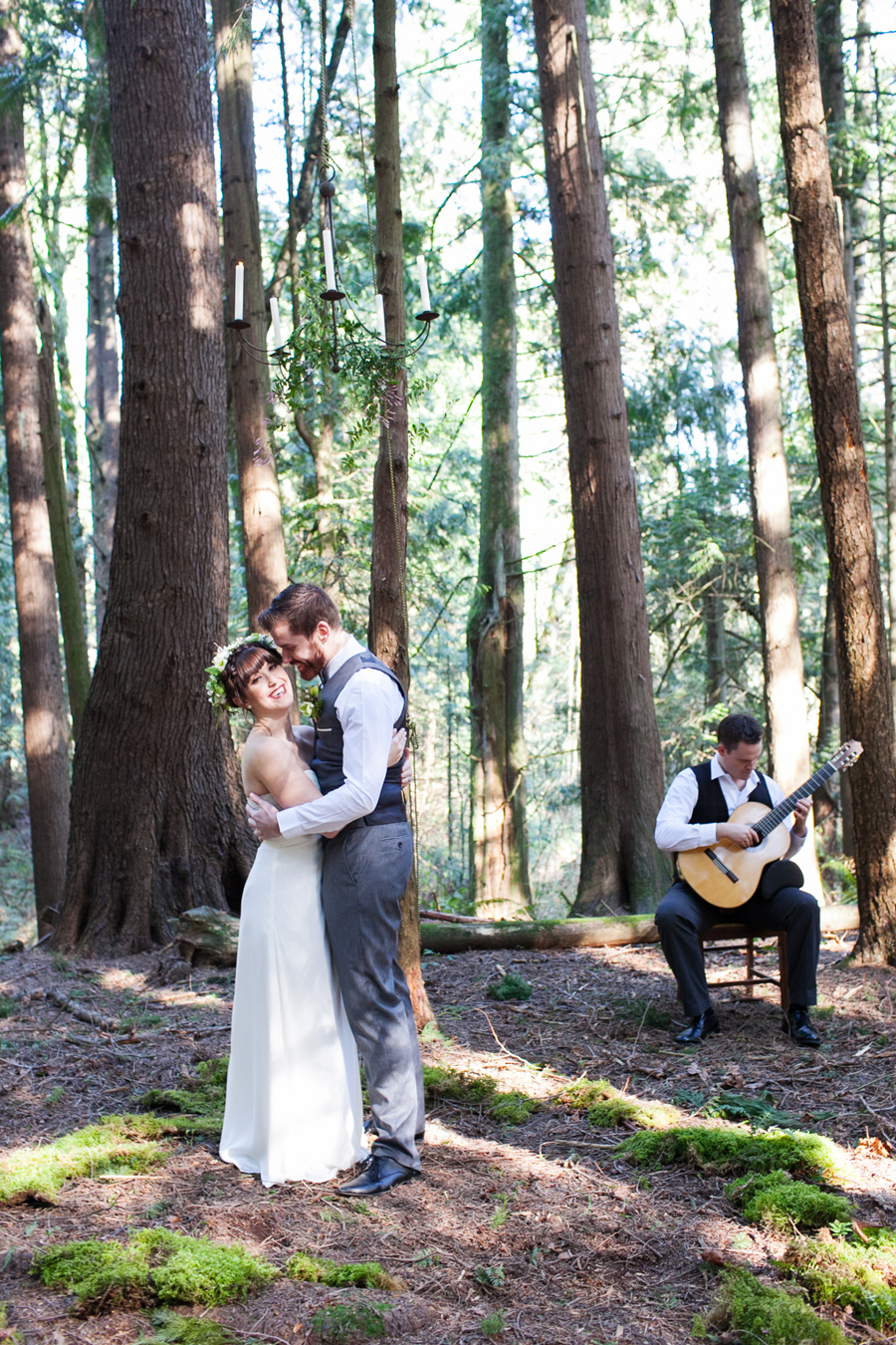 028-pacific-northwest-woodland-bridal-styled-session-lynden-washington-katheryn-moran-photography.jpg