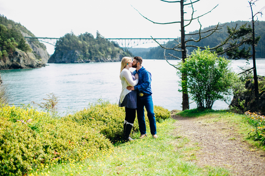 037-bellingham-skagit-engagement-photographer-photo-bowman-bay-jessie.jpg