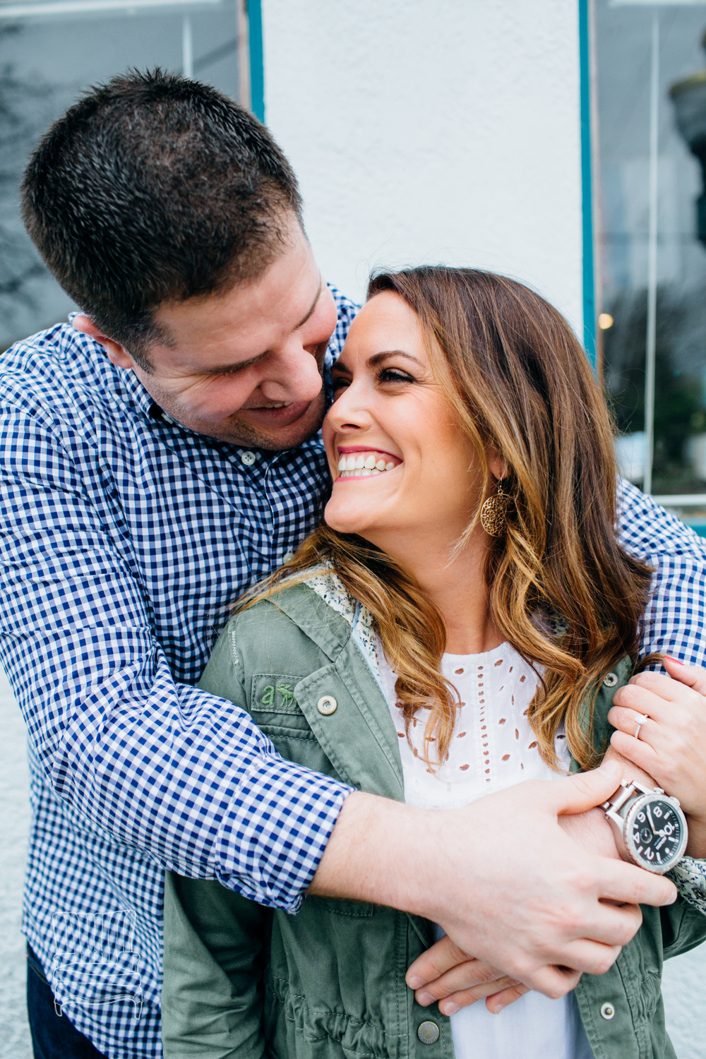 bellingham-engagement-photographer-photo-downtown-lindseyjames-12.jpg