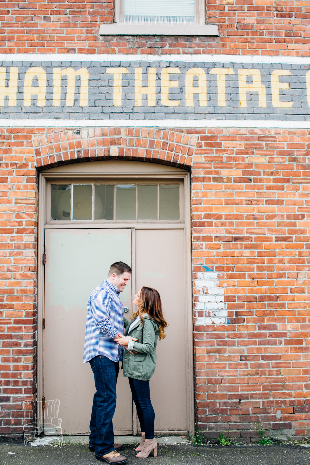 bellingham-engagement-photographer-photo-downtown-lindseyjames-31.jpg