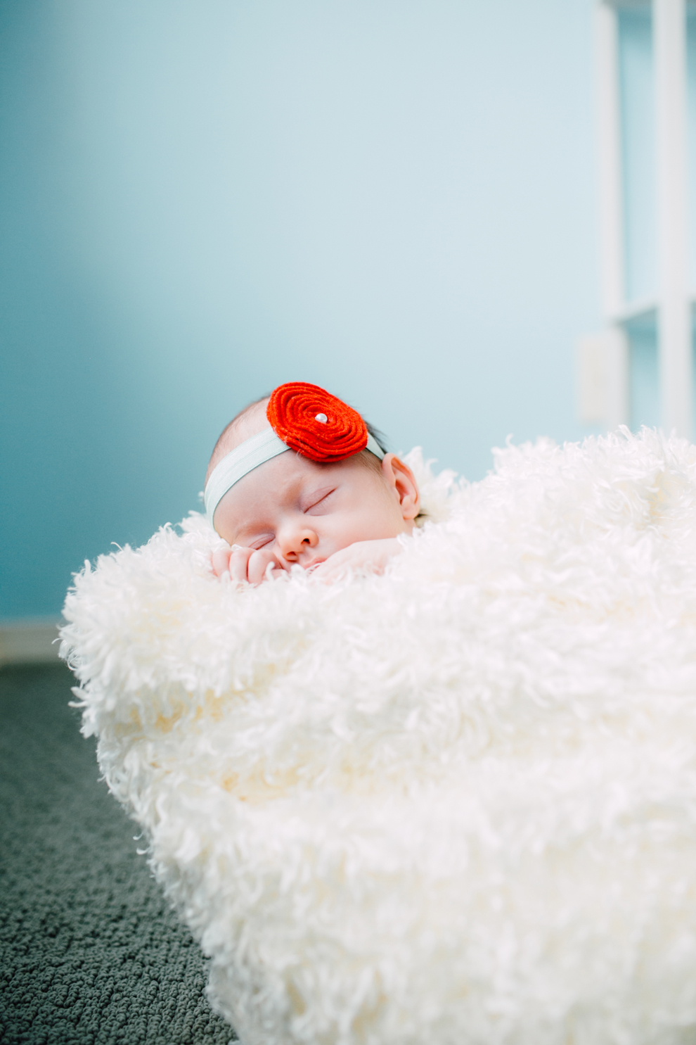 014-bellingham-newborn-photographer-photo-nursery-harper-lifestyle-session.jpg