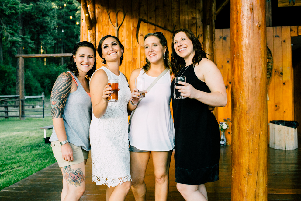 107-leavenworth-mountain-springs-lodge-wedding-karena-saul-katheryn-moran-photography.jpg